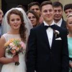 Piękna i dumna matka na ślubie – spełnienie marzeń